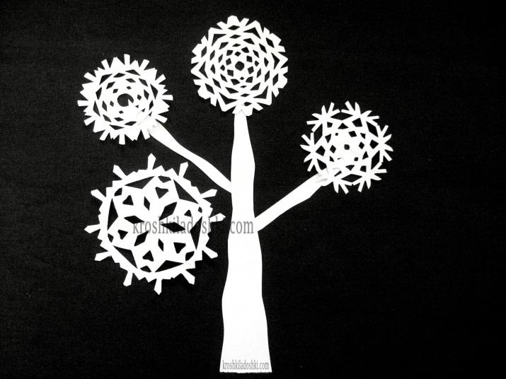 зимнее дерево из бумаги