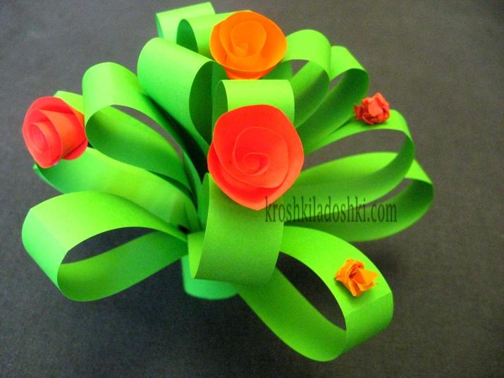 букет цветов для мамочки из цветной бумаги
