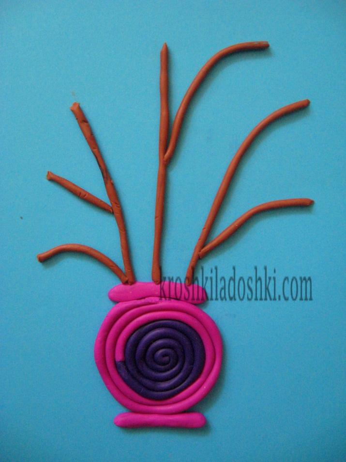 ваза с цветами из пластилина