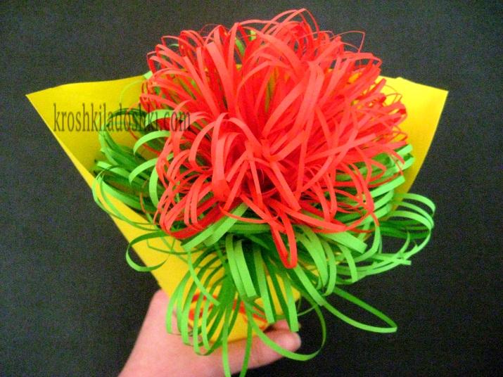 букет для мамы из цветной бумаги