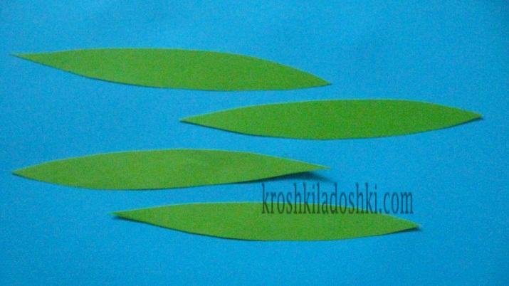 листья из бумаги