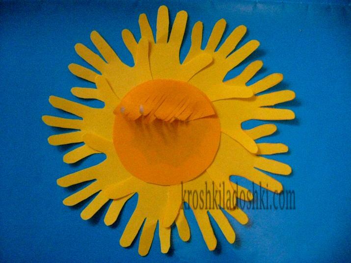 аппликация солнышко из ладошек