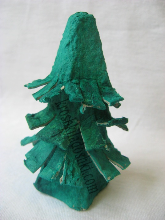 елка из бросового материала своими руками