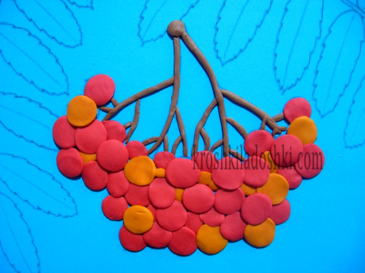 гроздь рябины из пластилина