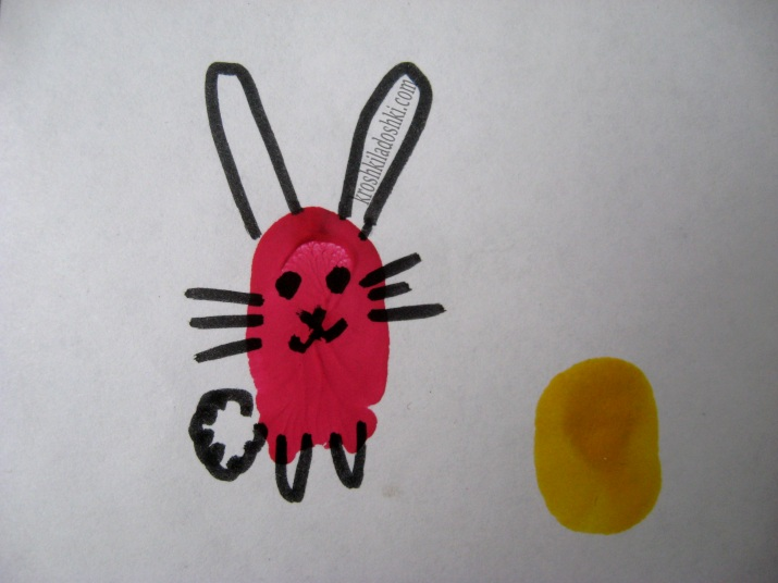 рисунок из отпечатков зайчик